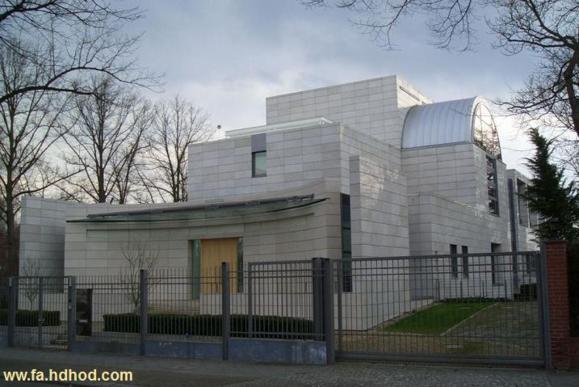 حمله معترضان خشمگین به سفارت ایران در برلین