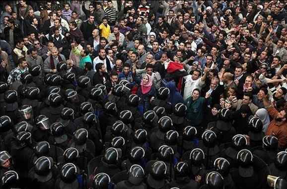 صف بندی سیاسی در مصر، چپ ها و لیبرال ها علیه اخوان المسلمین وسلفی ها