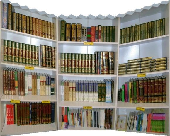 دهها نویسنده و شاعر ایرانی خواهان لغو فوری «مجوز چاپ کتاب» شدند