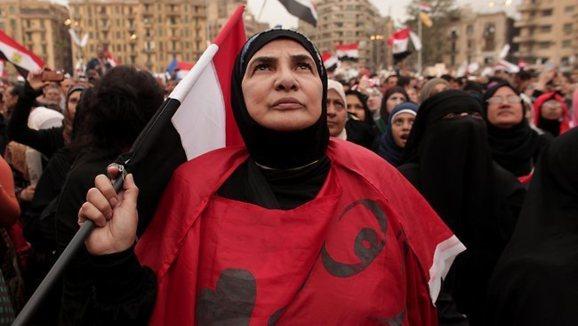 کاخ ریاست جمهوری مصر در محاصره مخالفان مرسی
