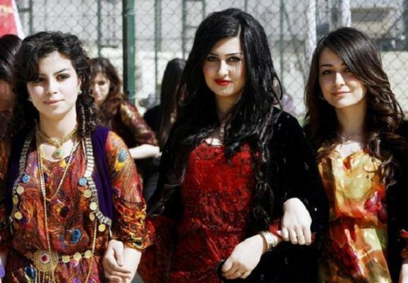 دختران دانشجوی کرد عراقی - اربیل عراق