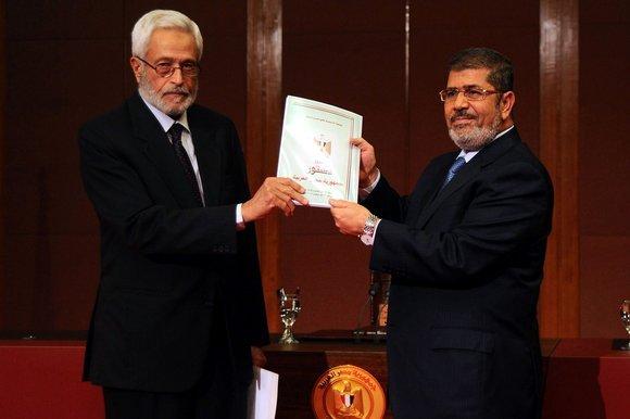 مرسی به ارتش مصر اختیار دستگیری غیرنظامیان را داد