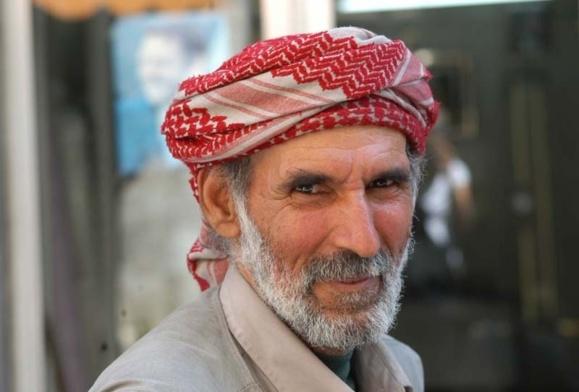 أهل سنت عراق در اعتراض به سیاستهای نوری المالکی بزرگراهی را در غرب این کشورمسدود کردند