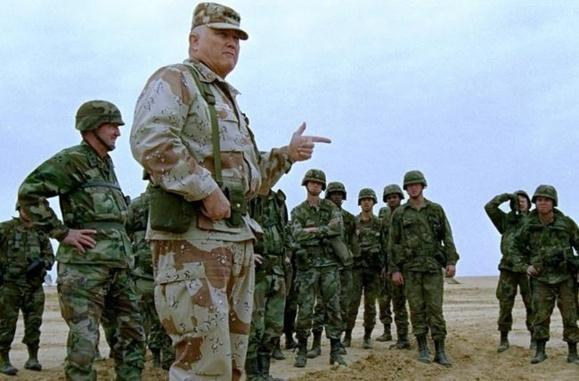 ژنرال شوارتسکف فرمانده حمله ۱۹۹۱ به عراق درگذشت