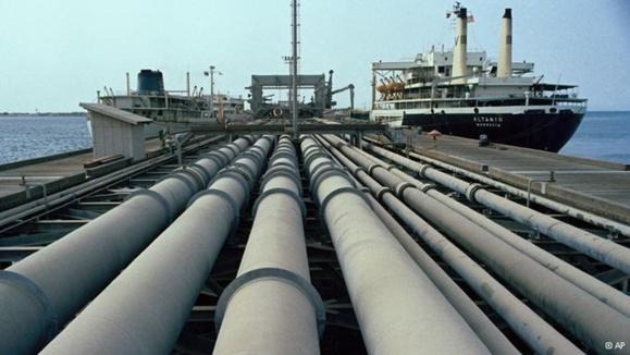 اجرای سناریوهای مختلف برای خروج از بحران تحریم نفت