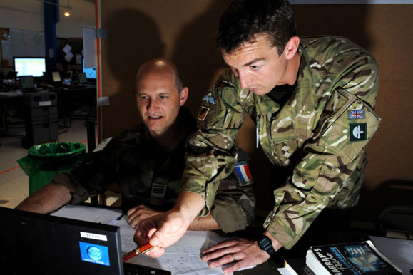 به گفته دیوید کامرون، بریتانیا از ایجاد پایگاههای تروریستی در نزدیکی اروپا جلوگیری خواهد کرد. ارتش بریتانیا در جنگهای صحرایی تجربه فراوان دارد