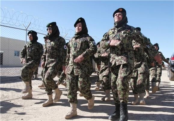 فارغالتحصیلی زنان ارتشی در افغانستان