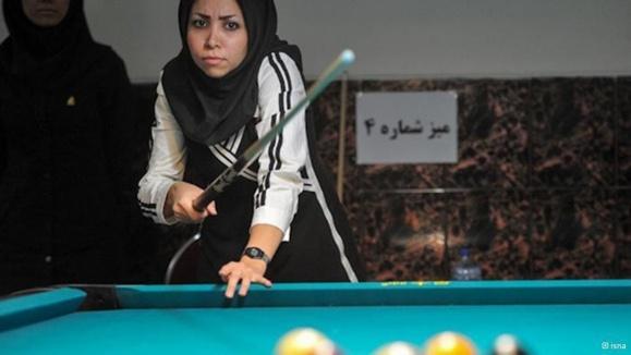 دختران تهرانی و بیلیارد با طعم مقنعه