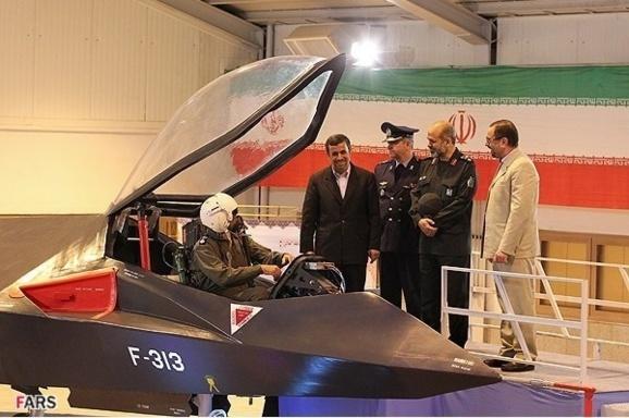 هواپیمای «قاهر ۳۱۳»، تنها مربوط به یک ماکت کوچک میباشد