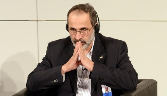 انتقادهای شديد از معاذ الخطيب به دليل مذاکره با همپيمانان بشار اسد