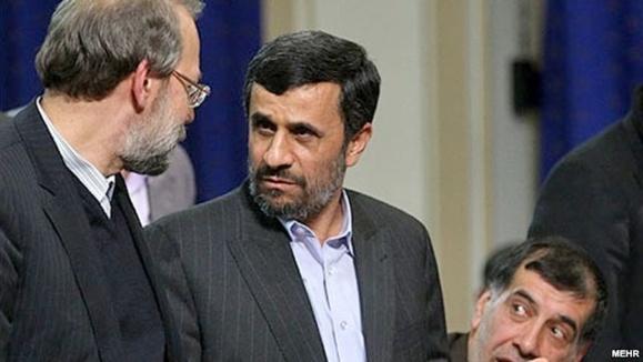 واکنش احمدی نژاد به دستگیری مرتضوی: قوه قضائيه بايد متعلق به ملت و نه يک سازمان ويژه خانوادگي باشد