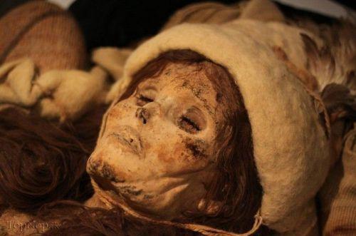 کشف جسد 3 دختر مومیایی شده در فرودگاه امام-تهران