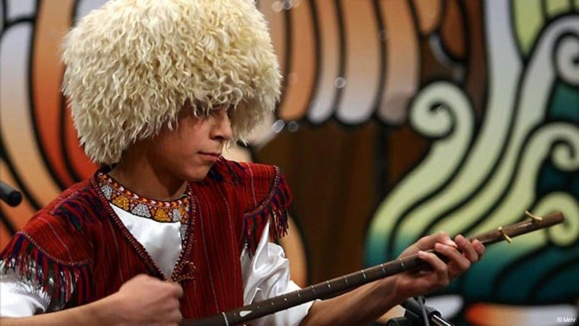 اوغلان بخشی در مسابقه ترانههای فولکلوریک دنیا در پراگ مقام اول را به دست آورد