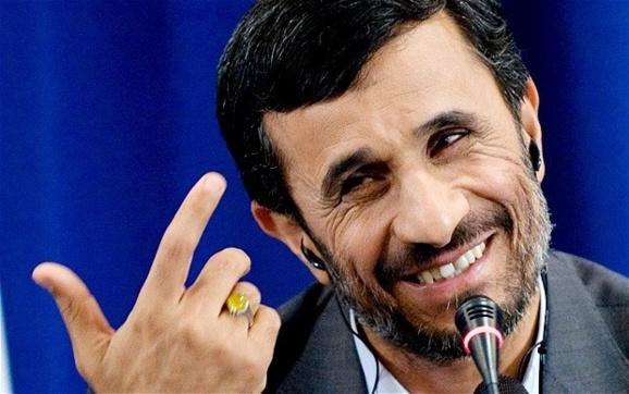 واشنگتن پست: ضرب شست احمدی نژاد در آخر خط