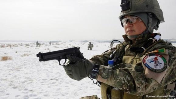 یک سرباز زن نیروی ویژه افغانستان