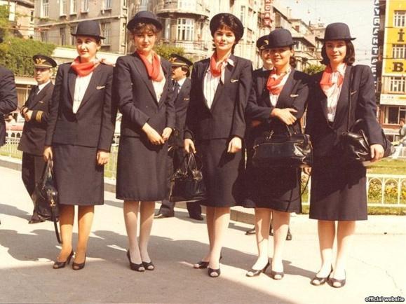 پوشش مهمانداران شرکت هوایی «ترکیش ایرلاین» در سال ۱۹۸۲