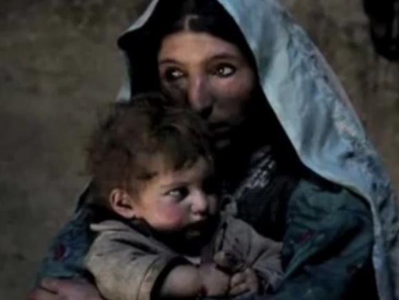 اعتیاد صدها هزار کودک افغان به تریاک