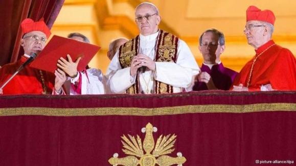 انتخاب خورخه ماریو برگولیو به عنوان پاپ جدید