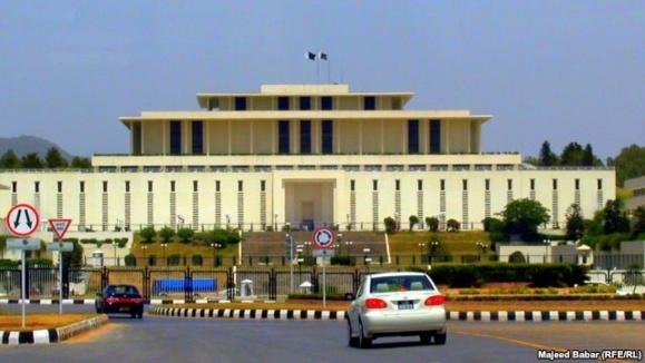 پیروزی تاریخی دموکراسی در کشور فقرزده پاکستان