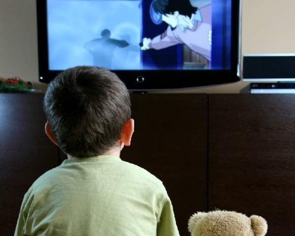 تلویزیون عامل 'بدرفتاری' کودکان نیست