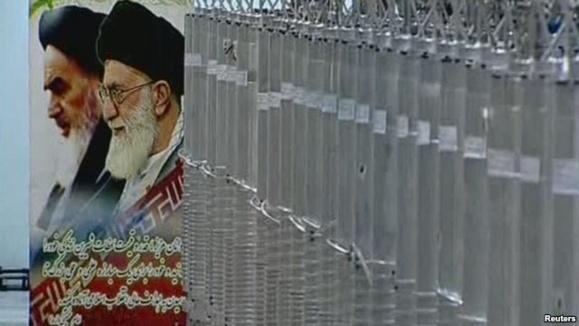وال استریت جورنال: خامنهای در پی محدود کردن برنامه اتمی در آستانه انتخابات
