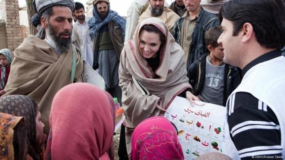 کمک ۴۵ هزار دلاری آنجلینا جولی به خیریه ملاله