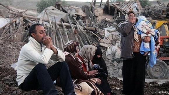 برخی افراد گردن کلفت در این ایران وامهای میلیاردی گرفتند/ بازسازی حدود ۹۰ درصد از خانههای  ورزقان و اهر شروع نشده است