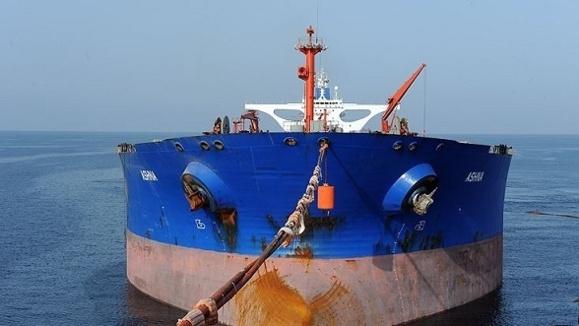 بیست و پنج میلیون بشکه نفت بیمشتری ایران ذخیره شده است