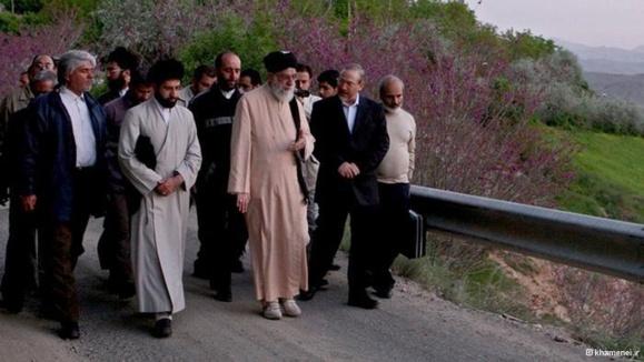 نوه خواهر خامنهای: پسر و برادر علی خامنهای مرا به قتل تهدید کردهاند