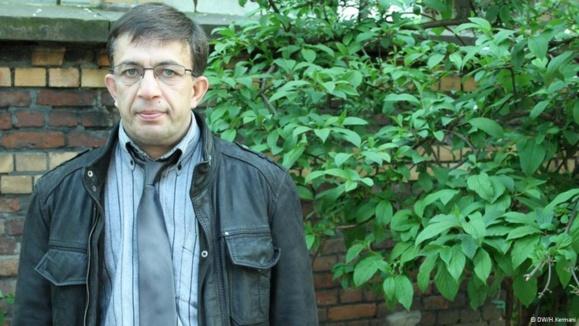 محمود مرادخانی تهرانی، خواهرزاده علی خامنهای