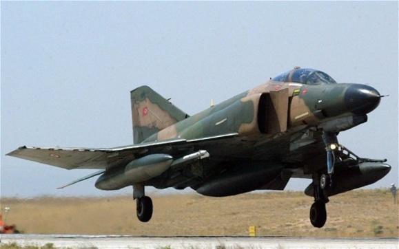 بدنبال سقوط یک جنگنده ارتش ترکیه در نزدیکی مرز سوریه،این کشور از ناتو درخواست نشست اضطراری کرد