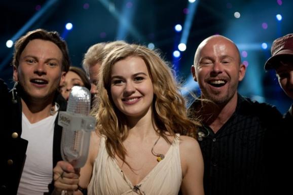 """در رقابت های موسیقی یوروویژن """"امیلی دی فارست"""" از دانمارک به مقام نخست دست یافت"""