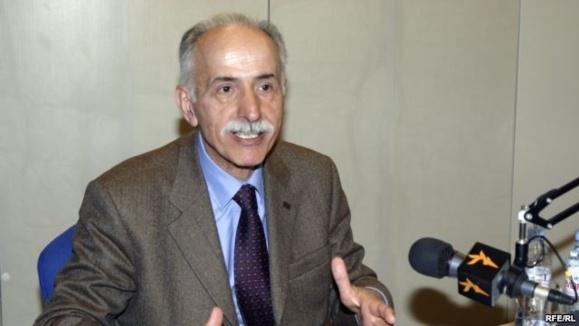 عبدالکریم لاهیجی به ریاست فدراسیون بینالمللی جامعههای حقوق بشر برگزیده شد