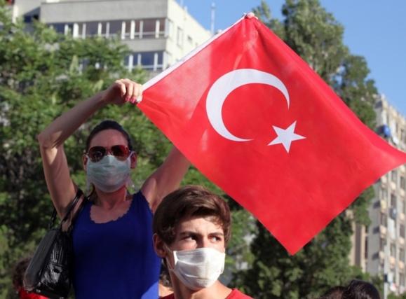 معترضان در ترکیه خواهان استعفای نخست وزیر شدند