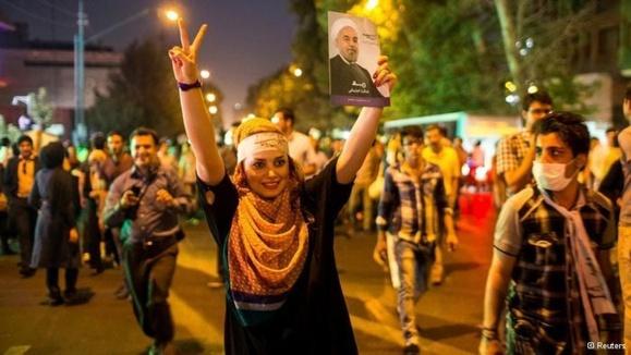 شادی و امید کاربران فضای مجازی در پی پیروزی حسن روحانی