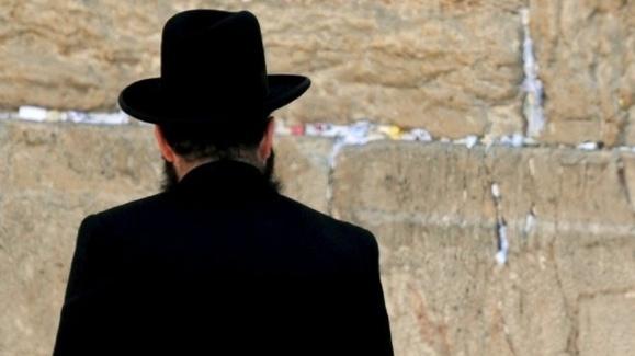 مامور اسرائیلی مرد یهودی را کنار «دیوار ندبه» کشت