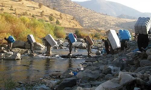 کشتار کولبران کرد توسط ماموران امنیتی ایران همچنان ادامه دارد ،طی نود روز گذشته، ٣٩ کولبر کُرد کشته شدند