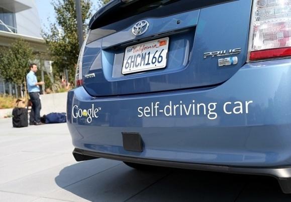 انگلیس قصد آزمایش و راه اندازی نخستین خودروی بدون راننده را دارد