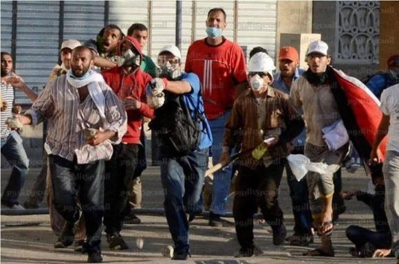 دستکم ۱۵ نفر در تازه ترین دور خشونتها در مصر کشته شدند