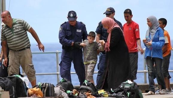 مرگ دهها تن از پناهندگان ایرانی در سانحهای مرگبار در آبهای اندونزی