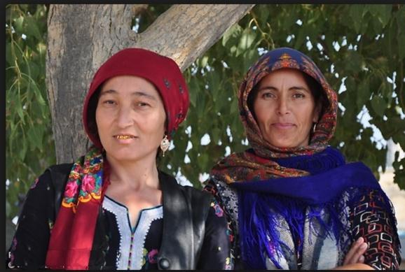 «دنیا یک قالین است» تصویر زنده گی زنان ترکمن افغان