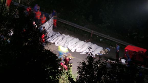 شمار کشته شدگان سانحه اتوبوس در ایتالیا به ۳۹ نفر رسید