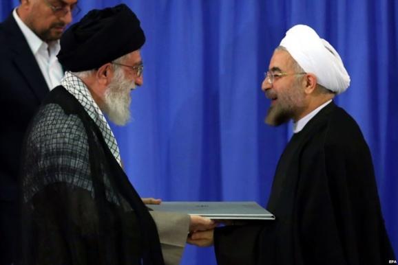 همزمان با تصدی پست ریاست جمهوری حسن روحانی سناتورهای آمریکایی از اوباما خواستند تحریمها علیه ایران را تشدید کند