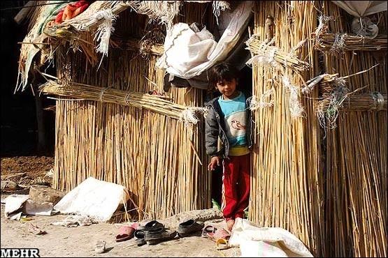 كودك عرب اهوازي در منطقه سياحي شهر أهواز