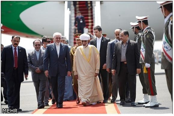 سلطان قابوس پادشاه عمان در راس هیاتی بلند پایه وارد تهران شد