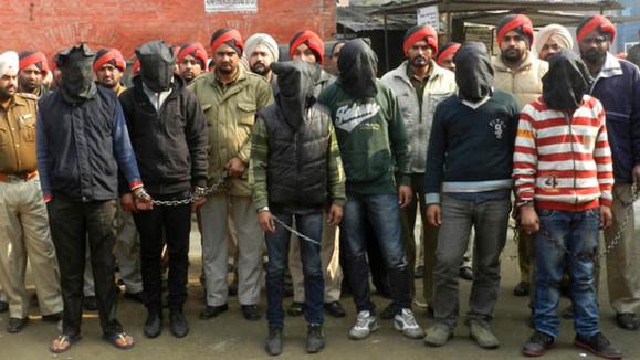 پولیس هند: پنج مرد مظنون به تجاوز جنسی بر یک خبرنگار زن دستگیر شدند