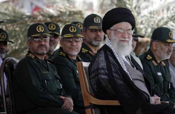 دولت فاسد و دانشگاه پولشویی علی خامنهای/ اکبر گنجی