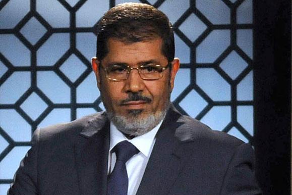 محمد مرسی رئیس جمهور مصر در دادگاه جنایی محاکمه می شود