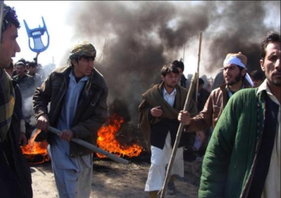 کنسولگری ایران در هرات به آتش کشیده شد؛ مرگ دستکم یک نفر