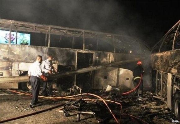تصادف و انفجار در جاده تهرانـ قم ۴۴ کشته بر جای گذاشت